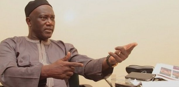 Polémique sur les mandats présidentiels : Serigne Mbacké Ndiaye persiste et signe