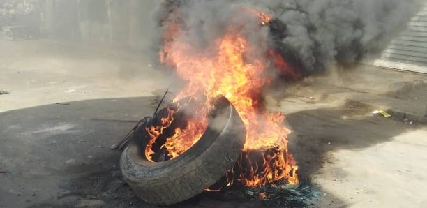 [Photos] Échauffourées à Mbour : Un policier passé à tabac