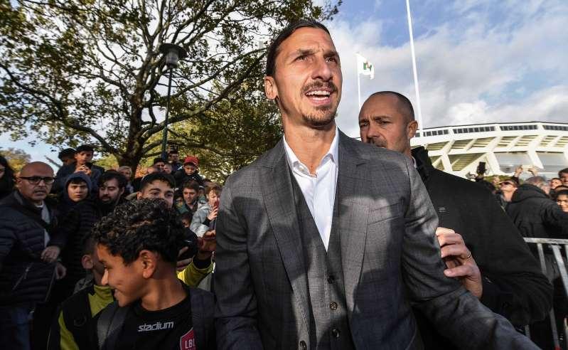 Mercato: c'est (enfin) officiel, Zlatan signe à l'AC Milan