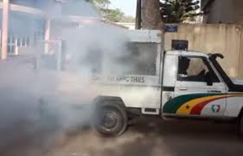 Fermeture provisoire des mosquées à Dakar : bataille rangée entre forces de l'ordre et fidèles à Guinaw Rail