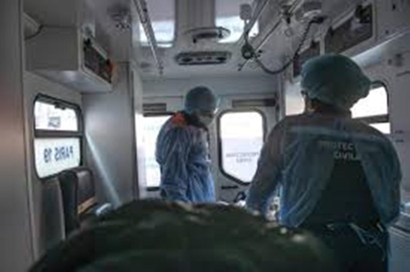 """Coronavirus : un """"pic d'admission à l'hôpital et en réanimation"""" attendu en France"""