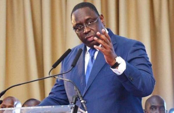Coronavirus: Macky Sall prive les ministres de voyages à l'extérieur