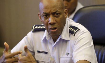 Armée de l'Air : DonAld Trump nomme le 1er noir chef d'état-major