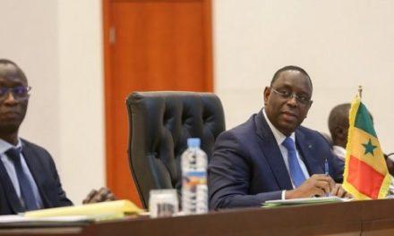 Coronavirus: Macky impose de nouvelles habitudes au Conseil des ministres