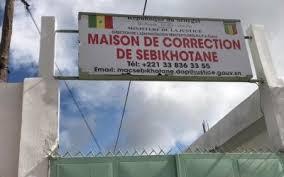 Manifestations : Les trois mousquetaires et Cie sous haute surveillance et transférées à sébikhotane