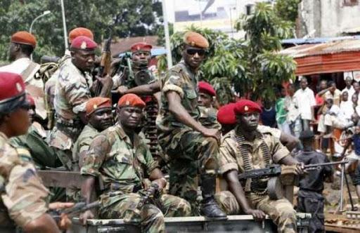 Diplomatie : Alpha Condé déclare la guerre à Macky Sall