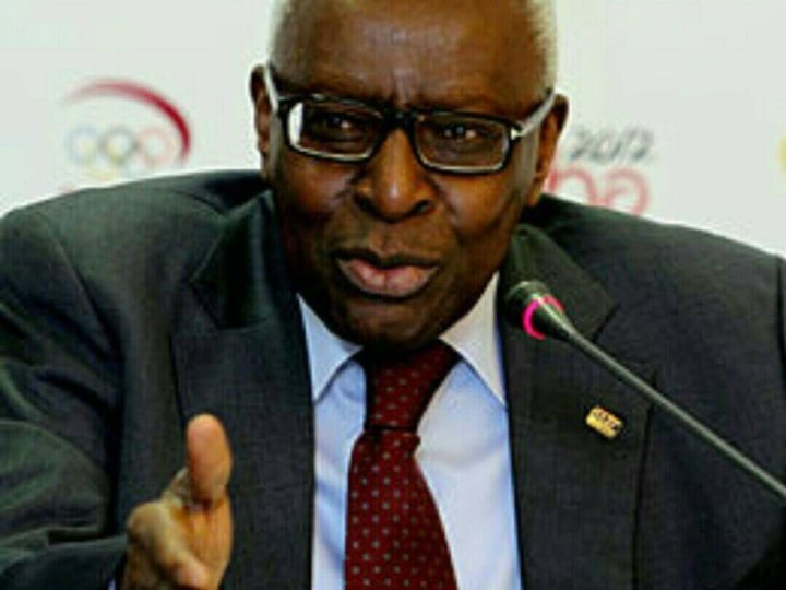 Retour au bercail: Lamine Diack a reçu son passeport
