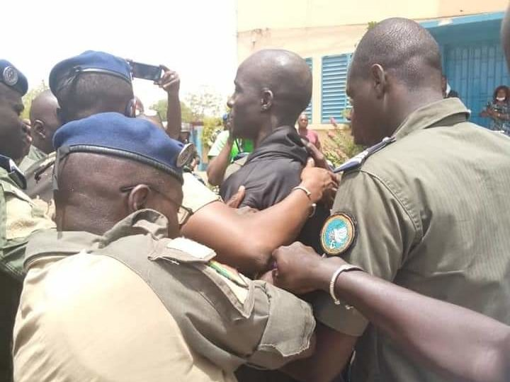 "Vidéo: film de l'arrestation de ""boy djinné"""