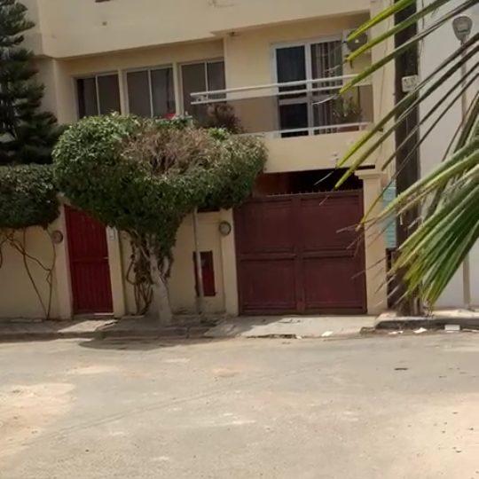 Une villa R+1 à vendre ( 5 chbr Salon avec garage) à Liberte6