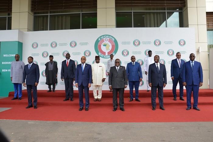 Guinée: la mission des chefs d'Etat de la CEDEAO à Conakryhuée par des manifestants